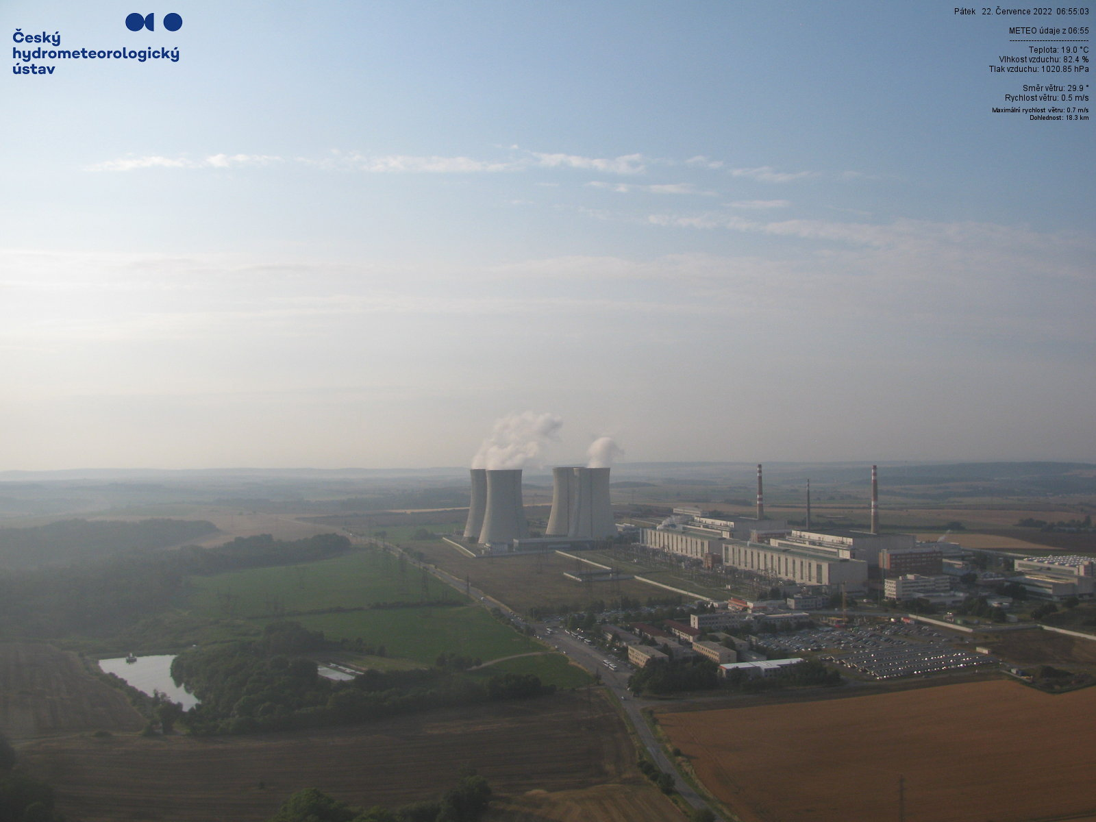 Pohled na jadernou elektrárnu